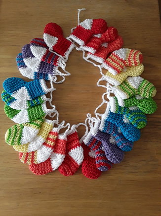 Mini Stocking Advent Crochet Project By Lyn H Lovecrochet