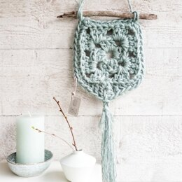 Wallhanger Elx Jute in Hoooked - Downloadable PDF