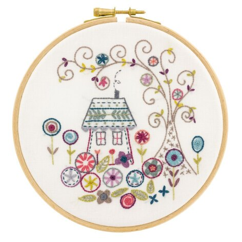 Un Chat Dans L'Aiguille The Enchanted Forest Contemporary Embroidery Kit