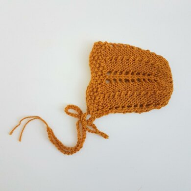Lace Seed Stitch Baby Bonnet