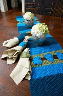 Dreidel Table Runner & Napkin Holders in Red Heart With Love Solids - LW3695
