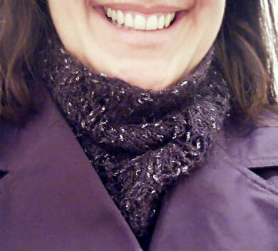 Lacy Cowl Neckwarmer