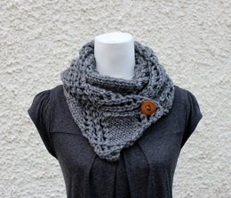 Crossing lace scarf in Wendy Serenity super chunky