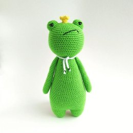 King Frog Crochet Amigurumi Pattern