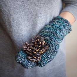 Star stitch mittens with knit look