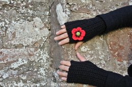 Hayfield Chunky with wool Poppy mittens
