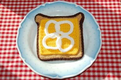 Crochet Pattern for Cheese and Onion on Toast - Crocheted Toy Food