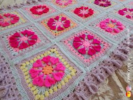 Baby Blanket Queen of Hearts Granny Square