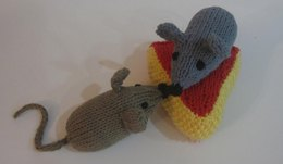 Easy Knit Mouse