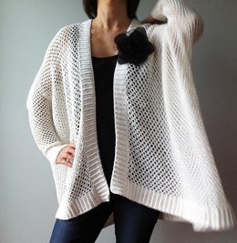 Angela - easy trendy cardigan (crochet)