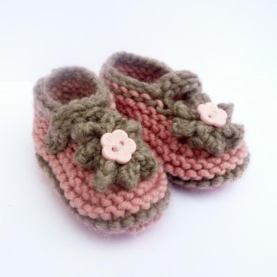 Simple Seamless Cute Classic Baby Shoes
