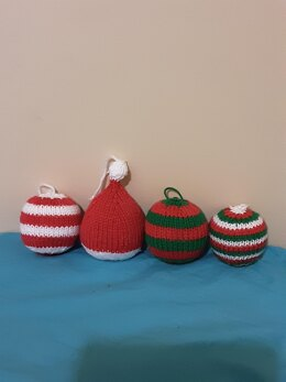 Cutie Christmas Baubles Knitting Pattern.