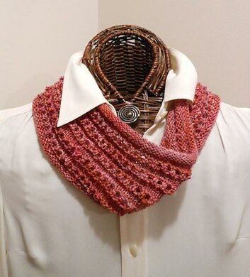 Easy Knitted Eyelet Cowl