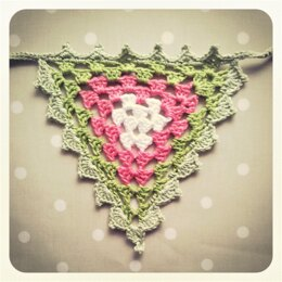 Garland :: Granny Bunting with Edging
