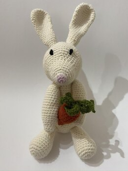 Easter Rabbit with Carrot