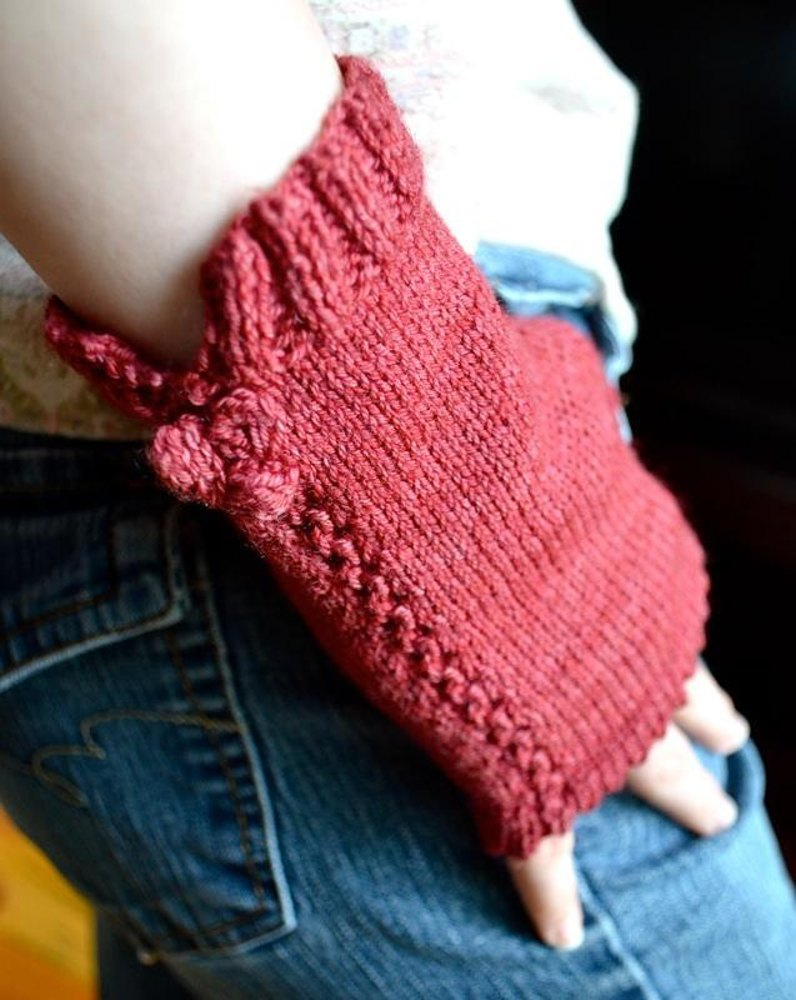Lingonberry Gloves Knitting pattern by Annie Riley Knitting Patterns Love...