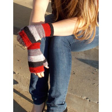Easy Self Striping Fingerless Gloves