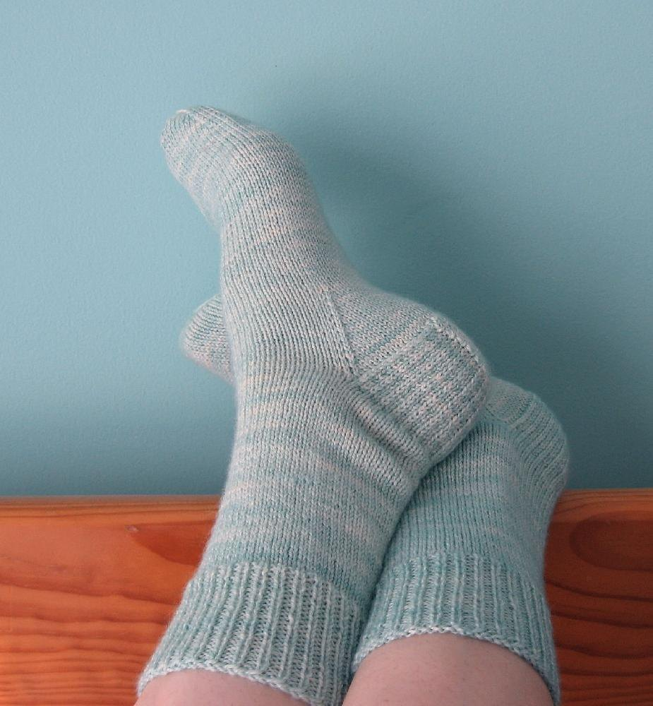 Knitting Socks For Beginners : Very vanilla socks knitting pattern by jo anne klim