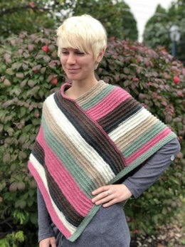 Ladies Poncho in Plymouth Yarn - F833 - Downloadable PDF