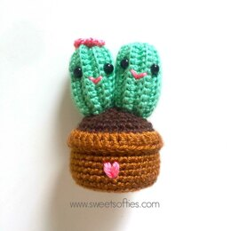 Cute Cactus Couple Amigurumi