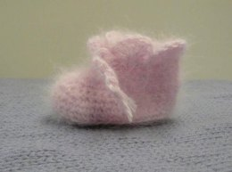 Crochet Baby Booties in Plymouth Yarn Angora - F339