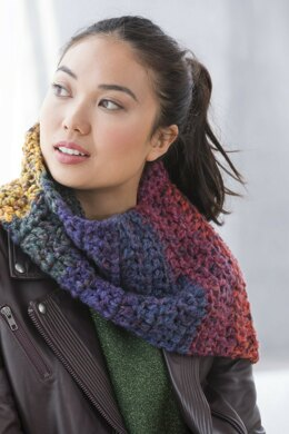 Lakehurst Cowl in Lion Brand Mandala Thick & Quick - L80168 - Downloadable PDF