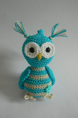 Turquoise owl - key chain