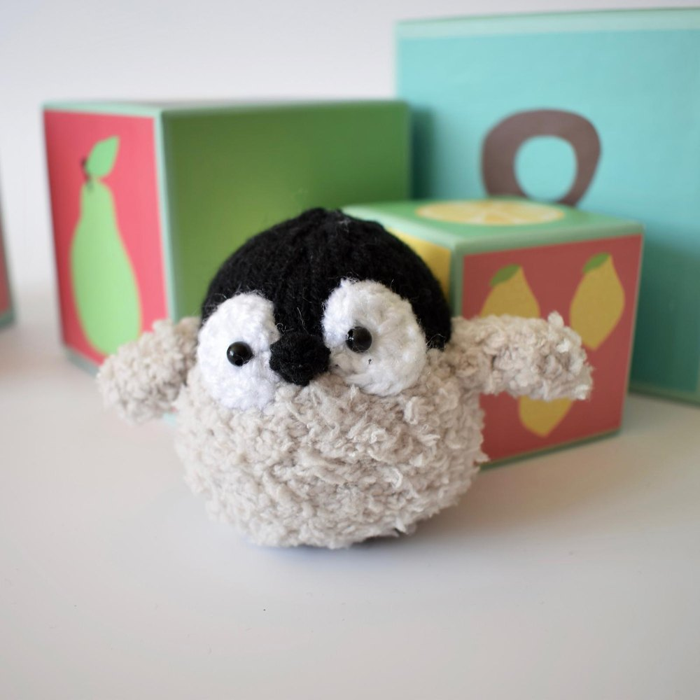 Baby penguin knitting pattern by amanda berry zoom bankloansurffo Images