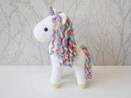 Amethyst the Unicorn Amigurumi