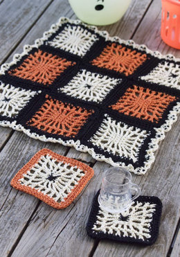 Spiderweb Coasters & Halloween Table Center in Red Heart Creme de la Creme - WC1939 - Downloadable PDF
