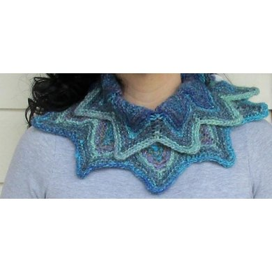 Starburst cowl – buttoned or round
