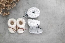 074-My first booties