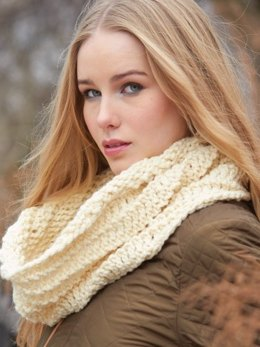 Pivoting Cowl in Patons Classic Wool Bulky