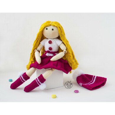 Doll Caroline  ( beads jointed) knitted flat