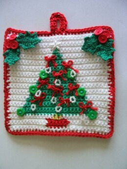 Christmas tree potholder with holly leaf clusters