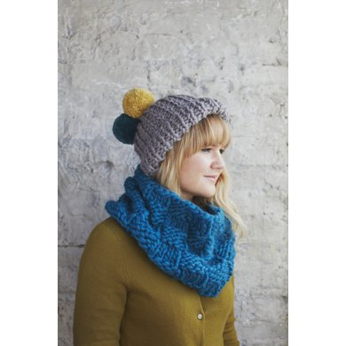 Dandelion Hat in Debbie Bliss Roma