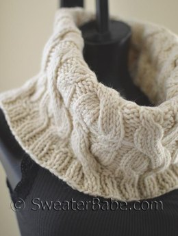 #120 Double Cabled Cowl