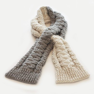 Cabled Keyhole Scarf