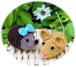 Hedgerow Huggies - Creme Egg Cosies