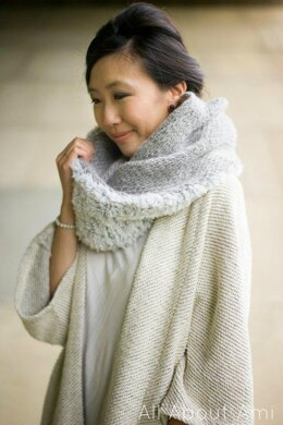 Luxe Faux Furl Cowl (Knit)