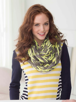 Quick Arm Knit Cowl in Lion Brand Wool-Ease Thick & Quick - L32381B