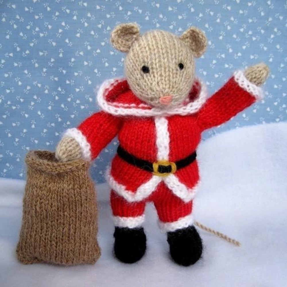 Knitting Patterns For Christmas Mice : Santa Mouse Knitting pattern by Dollytime
