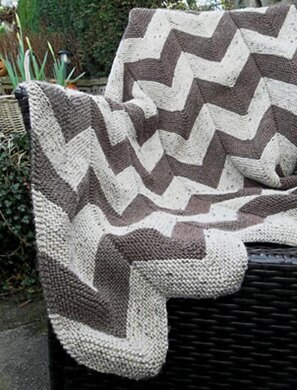 Aran Garter Stitch Chevron Throw