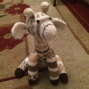 jasmine the giraffe knitting pattern by penny connor. Black Bedroom Furniture Sets. Home Design Ideas