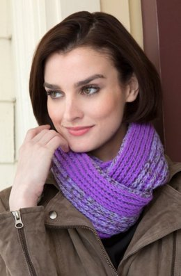 Brioche-Look Cowl in Red Heart Shimmer Solids - LW4321