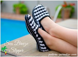 Sea Breeze Houndstooth Slippers