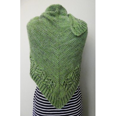 HALO Triangle Lace & Brioche Shawl Knitting pattern by SylviaHDesigns