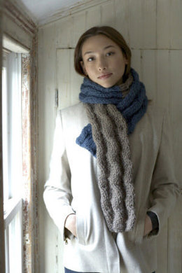 Reversible Cabled Scarf in Lion Brand Wool-Ease Thick & Quick - 60564AD
