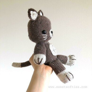 FREE Amigurumi Kitty Cat Crochet Pattern and Tutorial by Sue ... | 390x390