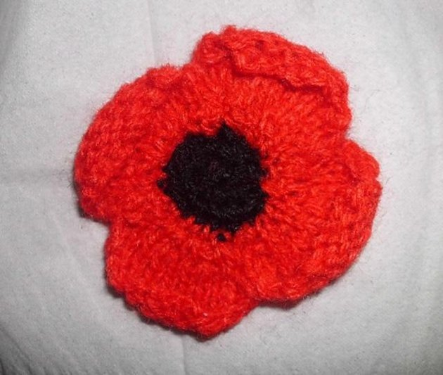 Poppy Brooch Knitting Pattern By Hennie Knitting